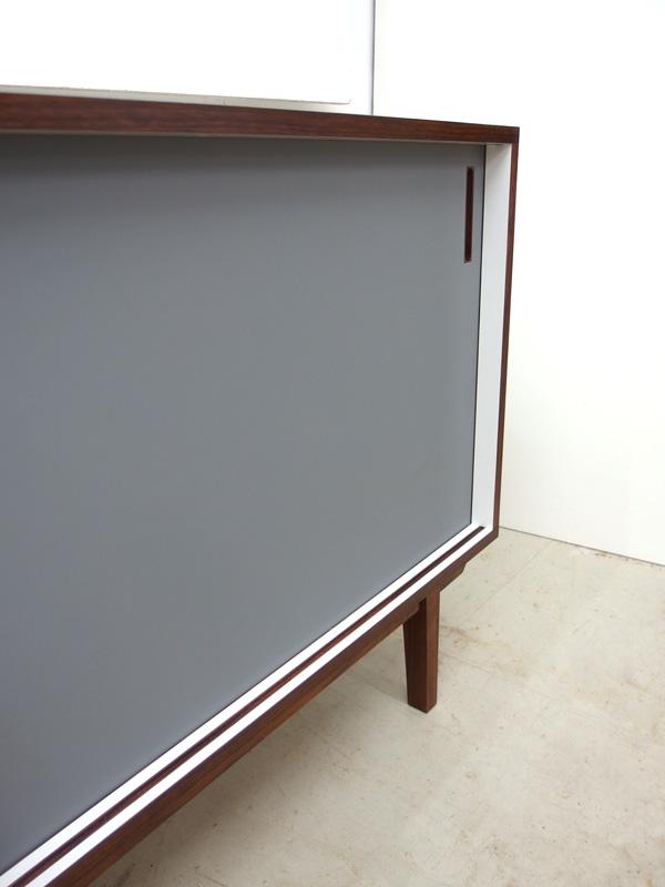 04_sideboard_linoleum_grau