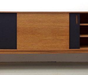 Slide Sideboard Eiche und Linoleum